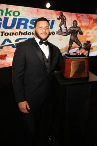 2013 Bronko Nagurski winner Aaron Donald of Pittsburgh in Charlotte, N.C. on Dec. 9. Photo by Ron J.Deshaies/Treasured Events of Charlotte.