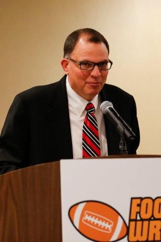 2015 FWAA President Lee Barfknecht addresses the FWAA annual meeting. Photo by Melissa Macatee.