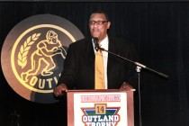 Ross Browner, the 1976 Outland Trophy winner from Notre Dame, picked up his trophy and addressed the audience at the Outland Trophy banquet on Jan. 15 in Omaha.
