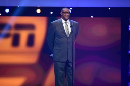 Ross Browner, the 1976 Outland Trophy winner, presented the 2015 trophy during the College Football Awards Show. (Photo by Phil Ellsworth / ESPN Images)