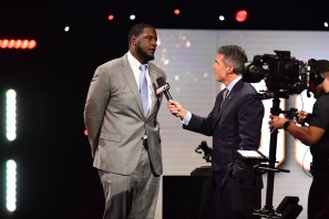 Alabama offensive tackle Cam Robinson, winner of the 2016 Outland Trophy as the nation's best interior lineman, is interviewed by ESPN's Chris Fowler during the Home Depot College Football Awards Show on ESPN. (Photo by Phil Ellsworth / ESPN Images)