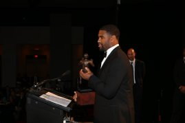 2016 Bronko Nagurski Trophy winner Jonathan Allen of Alabama holds his award as he addressed the audience. (Photo by Michael Strauss, Strauss Studios.)
