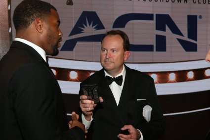 2016 Bronko Nagurski Trophy winner Jonathan Allen of Alabama is interviewed by FWAA President Mark Anderson. (Photo by Michael Strauss, Strauss Studios.)