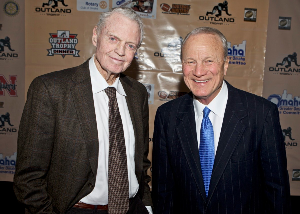Former coaching rivals Tom Osborne of Nebraska and Barry Switzer of Oklahoma at  the Outland Trophy Presentation Banquet on Jan. 11, 2017, in Omaha. Photo by C41 Photography.