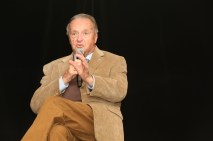 Former Florida State coach Bobby Bowden, winner of the Tom Osborne Legacy Award, takes a question. C41Photography.